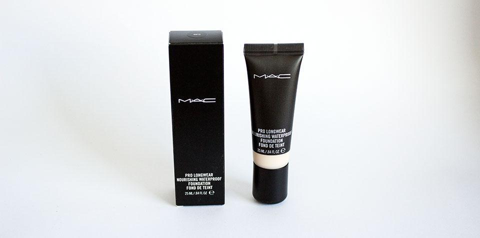 ESAF_MAC_PROLONGWEAR_NOURISHING_FOUNDATION_9