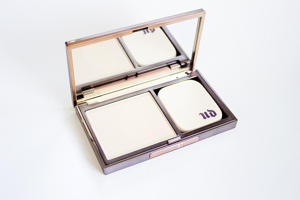 ESAF_UD_NAKED_SKIN_POWDER_FOUNDATION_1